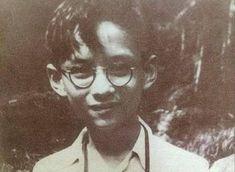 """""""รอยยิ้มของพ่อ"""" ภาพความทรงจำที่จะอยู่ในใจคนไทยตลอดไป"""