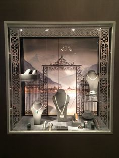 "SOTHEBYS,London,UK, ""Magnificent Jewels Showcases"", creative by 4D Projects,UK, pinned by Ton van der Veer"