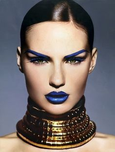Blue Lips - 7 Weird Makeup Trends to Avoid . Makeup Art, Beauty Makeup, Eye Makeup, Makeup Trends, Makeup Ideas, Vogue Makeup, Blaues Make-up, High Fashion Makeup, Nail Fashion
