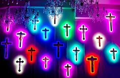 Neon crucifix by artist Stefan Strumbel Magical Girl Raising Project, Holographic Fashion, All Of The Lights, Spiritus, Southern Gothic, Little Bit, Light Of The World, Sacred Heart, Neon Lighting