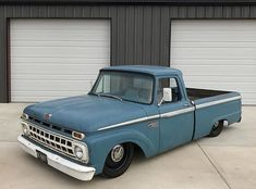 ford trucks old Classic Ford Trucks, Ford Pickup Trucks, Classic Cars, Ford Galaxie, Hot Rod Trucks, Cool Trucks, Lifted Trucks, Ford Falcon, F100 Truck