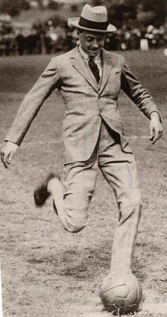 The Duke of Windsor..........HE WAS NOT KNOWN FOR HIS LOVE OF SPORTS...................ccp