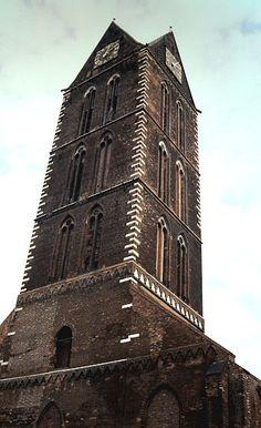 Wismar: Marienkirche Top Destinations, Kirchen, Germany Travel, Travel Guides, Raven, Ravens, Germany Destinations, Crows, The Crow