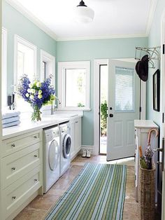 Mudroom Laundry Room - Design photos, ideas and inspiration. Amazing gallery of interior design and decorating ideas of Mudroom Laundry Room in laundry/mudrooms by elite interior designers. Mudroom Laundry Room, Laundry Room Design, Laundry In Bathroom, Laundry Area, Small Laundry, Laundry Room Colors, Small Bathroom, Kitchen Colors, Laundry Decor
