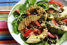 Simplesmente Delícia » Salada de Abacate com Pesto e Rúcula