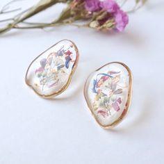 Jewelry Design Earrings, Copper Earrings, Cute Earrings, Designer Earrings, Diy Resin Art, Diy Resin Crafts, Polymer Clay Jewelry, Resin Jewelry, Diy Resin Keychain