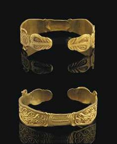 OSTROGOTHIC GOLD BRACELET  MIGRATION PERIOD, CIRCA LATE 5TH-EARLY 6TH CENTURY A.D.