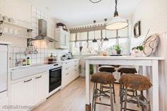 Myytävät asunnot, Linnunpääntie 6, Turku #oikotieasunnot Decor, Room, Dining, Home Decor, Kitchen, Dining Room