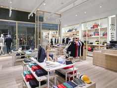 Lacoste has unveiled a new global store concept at Westfield White City today and is marking the occasion with…