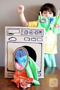 Karton koliden çocuklara çamaşır makinesi