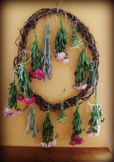 How to Dry Flowers and Make an Arragement