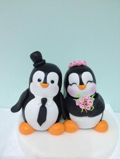 Married Penguins - Cake by Laura