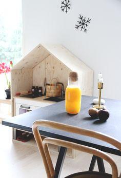 AURINKOISET HUOMENET JA UUDENVUODENLUPAUKSET | IKEA kids kitchen built in house