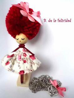 broche collar de una muñeca feliz;)