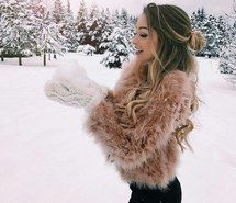 Inspiring image cold, girl, goals, hair, snow #5053242 by loren@ - Resolution 1025x1280px - Find the image to your taste
