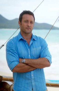 Gorgeous Alex O'Loughlin from Episode 5.23 (from @alexolsen24 on Twitter)