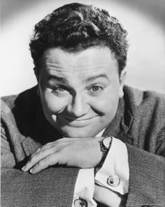 """""""Born Today Sept in Harry Secombe - If that be the eyes of the law, sir, then the law is a bachelor! Bumble in Oliver! British Comedy, British Actors, Famous Welsh People, Marilyn Monroe Photos, Hollywood, St Thomas, Famous Faces, Funny People, Comedians"""