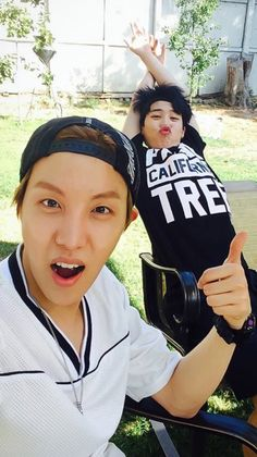 ImageFind images and videos about bts, bangtan boys and jimin on We Heart It - the app to get lost in what you love. Jimin Jungkook, Namjoon, Taehyung, Bts Bangtan Boy, Jimin Cute Selca, Bts Predebut, Foto Bts, Yoonmin, Theme Bts