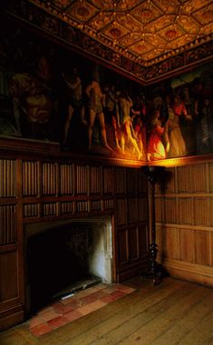 The Wolsey Closet, The Georgian Rooms, Hampton Court Palace, originally the palace was owned by Cardinal Wolsey. Once Henry VIII disavowed Wolsey because of his displeasure regarding his divorce issue. Los Tudor, Tudor Era, Tudor History, British History, Asian History, James Park, Hampton Court, Hampton Palace, Sightseeing London