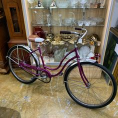 Awesome Schwinn Hollywood model with original leather seat just in at Gannons Antiques Vendor Displays, Hollywood Model, Antique Art, Over The Years, Home Goods, 1960s, Bicycle, Indoor, Antiques
