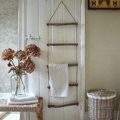 escalera para colgar toallas