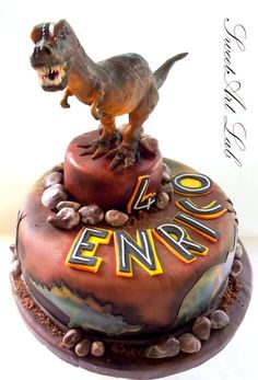 T-rex Cake..Don't forget Dino-mite personalized napkins. #dinosaur #itsallinthedetails www.napkinspersonalized.com