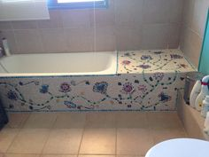 End result weekend mosaic diy Mosaic Bathroom, Mosaic Diy, Mosaic Garden, Mosaic Crafts, Mosaic Projects, Mosaic Tiles, Small Bathroom, Diy Projects, Stone Mosaic