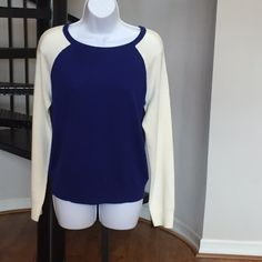 Forever21 Royal Blue & White  Sweater Forever21 Royal Blue & White  Sweater Perfect Condition stylish and chic  Forever 21 Sweaters Crew & Scoop Necks