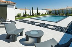 Small Backyard Pools, Backyard Patio Designs, Small Pools, Pool Decks, Front Porch Garden, Deck Colors, Swimming Pool Landscaping, Luxury Pools, Home Design Decor