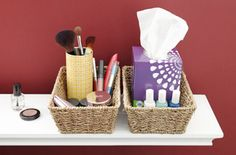 Discover 10 unique ways to keep your makeup tidy and organized.Found in @HomeMadeSimple sourced by @DownshiftingPRO