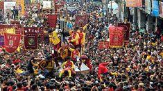 'Black Jesus' procession draws 380,000 in Manila