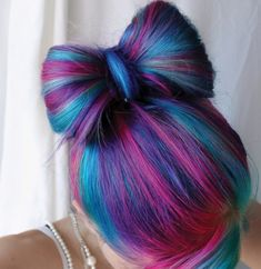 There is a hue of blue, a hue of pink & of purple. So, what color scheme is used there?..