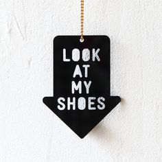 Necklace Look At My Shoes black by Zubinski on Etsy, €24.00