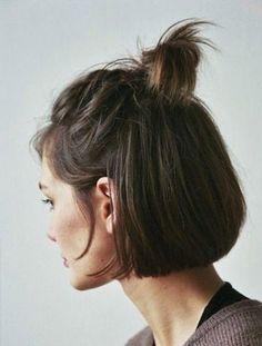 queue de cheval sur cheveux courts