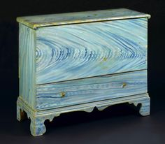 Chippendale grain-painted lift-top chest over drawer, Probably Cape Cod, Massachusetts, circa 1790. The perfect piece for a sea side cottage.
