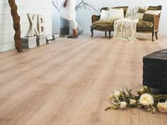 Ces sols qui imitent le parquet à la perfection Parquet Flooring, Hardwood Floors, Berry Alloc, Sol Pvc, Art Deco, Basement Stairs, Floor Design, Decoration, Home Remodeling