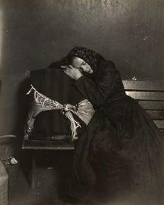 Slavic immigrant sleeping, Ellis Island NY., Lewis Hine photographer 1905