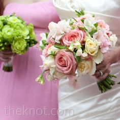 Afshan held pink and cream roses for photos before switching to a bouquet of bright-red peonies for the ceremony.