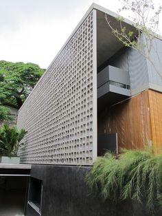 galeria arquitetos desire to inspire desiretoinspire net is part of Facade architecture - Detail Architecture, Brick Architecture, Residential Architecture, Contemporary Architecture, Interior Architecture, Contemporary Design, Decorative Concrete Blocks, Concrete Block Walls, Design Exterior