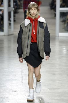 See the complete Tim Coppens Fall 2017 Menswear collection.