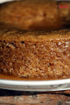 My god of my god of my god that this cake is good! Incredibly mellow … - Quick and Easy Recipes My Recipes, Sweet Recipes, Cake Recipes, Dessert Recipes, Cooking Recipes, Favorite Recipes, Vegan Recipes, Bolo Flan, Vegan Vanilla Cake