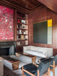 〚 Classic motifs and contemporary art in grandeur Madrid apartment 〛 ◾ Photos ◾Ideas◾ Design Madrid Apartment, Cosy Fireplace, Wood Panel Walls, Elle Decor, Home Living Room, Contemporary Art, Home And Family, Interior Design, House
