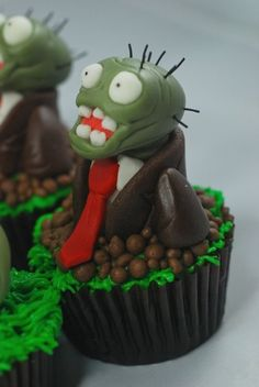 Zombies Cakes and Cupcakes Zombie Birthday Parties, Zombie Party, New Birthday Cake, Birthday Cupcakes, Zombie Cupcakes, Tea Party Theme, Fondant Toppers, Cute Cakes, Holiday Treats