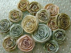 Shabby Chic paper flowers.... very cool!