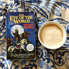 the eye of the world is a fantasy book by robert jordan. i loved it 4.5/5 stars.  if you love got or brandon sandersons novels you will love this  #books #bookshelf #booklover #bookworm #bookblogger #bookreview #bookstore #sebo #livraria #livros #ler #leitura #reading #read #poem #poetry #classicbooks #bookstagram #bookstagramfeature #bookfeaturepage #got #robertjordan #gameofthrones #coffee #fantasy #georgerrmartin