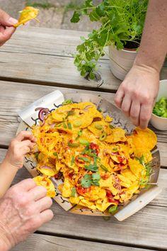 Nachos In Oven, Tex Mex, Finger Food, Cheddar, Barbecue, Nom Nom, Tacos, Chips, Pasta