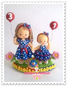 Topo de bolo personalizado com o tema desejado.  http://www.elo7.com.br/topo-de-bolo-infantil-personalizado/dp/3CAD61#mrrp=1