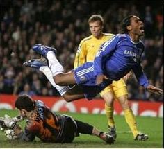 Old picture but you get the point about Drogba