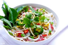 How To Make Pho Soup… easier than most recipes I've seen. Vietnamese Pho Soup Recipe, Vietnamese Recipes, Asian Recipes, Ethnic Recipes, Vietnamese Food, Pho Recipe, Chinese Recipes, Healthy Soup Recipes, Cooking Recipes