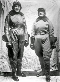 History in Photos: World War I - women workers. Women pilots in flying suits